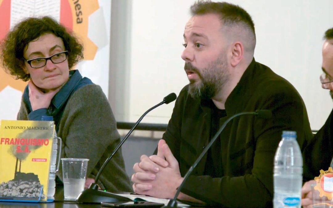 Antonio Maestre presentando su libro en Xixón